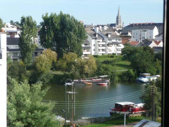 The Erdre from the garden